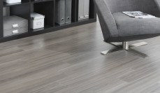 carpet-tiles-vs-laminate-flooring-in-office1